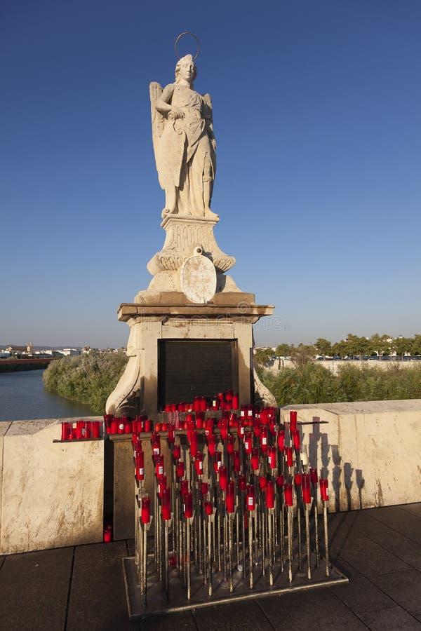 Vergine in Roman Bridge di Cordova fotografie stock libere da diritti