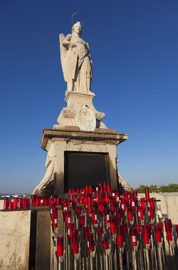 Vergine in Roman Bridge di Cordova fotografie stock