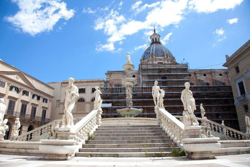 vergogne pretoria аркады fontana delle более бледное стоковое фото rf
