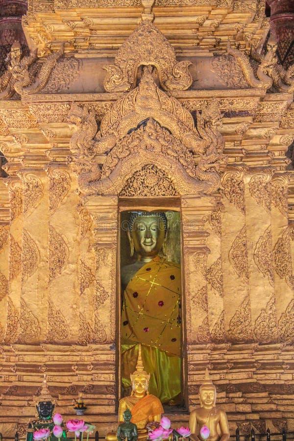 Vergoldet u. das x27; ku& x27; Enthalten des Haupt-Buddha-Bildes stockfotografie