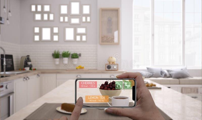 Vergroot werkelijkheidsconcept Hand die de digitale toepassing van het gebruiksar van de tablet slimme telefoon houden om informa stock afbeeldingen