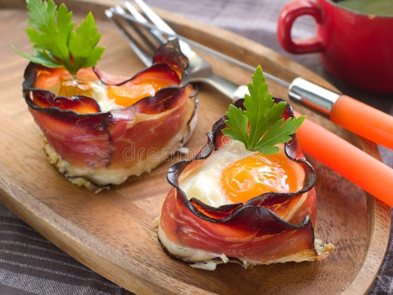 Download Verhätscheltes Ei Mit Speck Stockbild - Bild von nahaufnahme, schweinefleisch: 26352793
