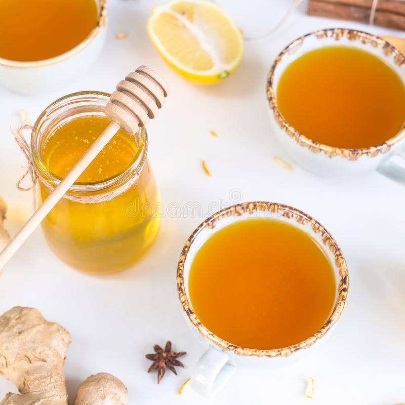 Verhindern von Kälten mit Vitaminen stockfoto