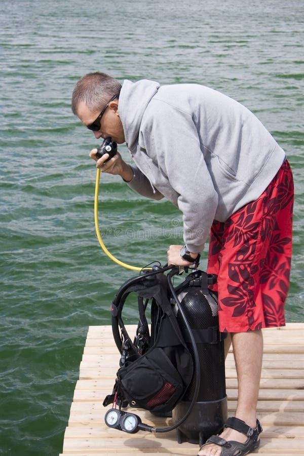 Verificação acima da engrenagem de mergulhador foto de stock royalty free
