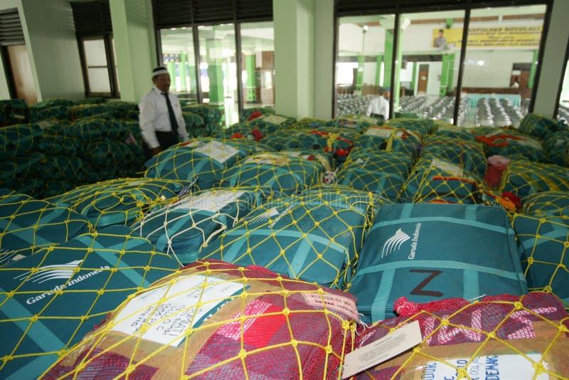 Verificando sacos do Haj imagem de stock