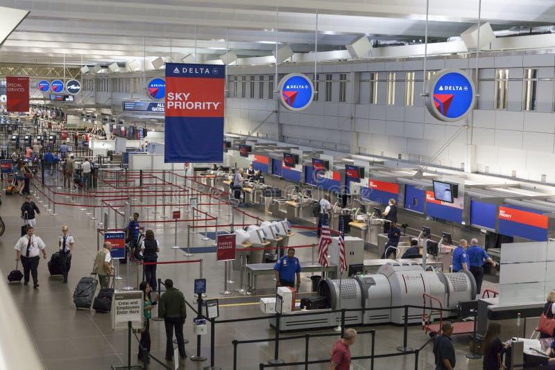 Verifique dentro a área no aeroporto internacional de Minneapolis em Minnesota fotos de stock royalty free