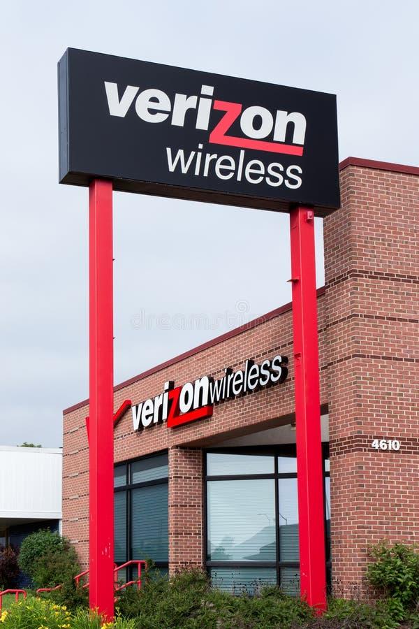 Verizon Wireless detaljist royaltyfri foto