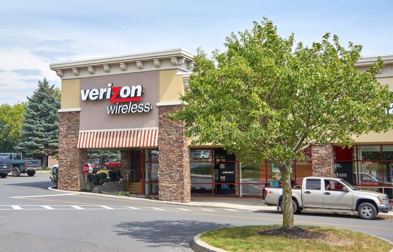 Verizon Wireless store and logo. royalty free stock photos