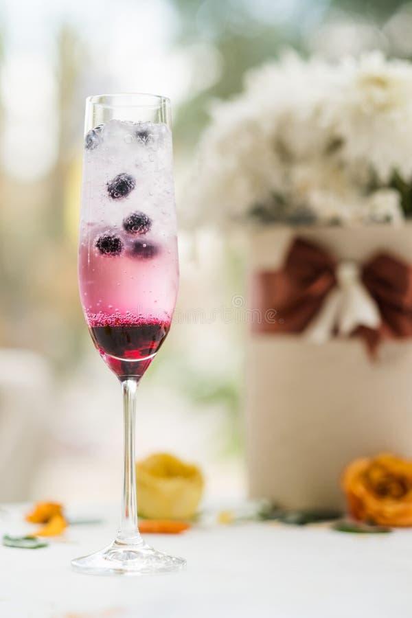Verjaardag van de ochtend de alcoholische cocktail party stock foto's