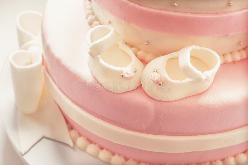 Verjaardagscake voor Babykoningin stock foto