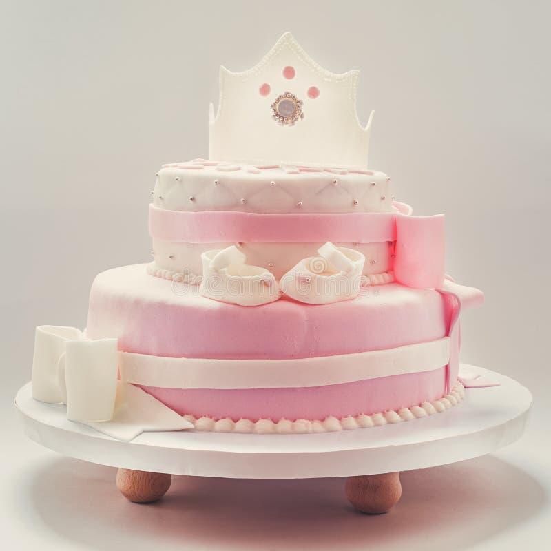 Verjaardagscake voor Babykoningin stock fotografie