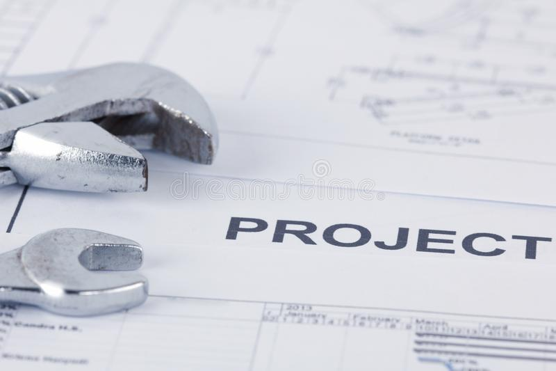 Verkäuferprojektdokumentation mit Schlüssel lizenzfreie stockbilder
