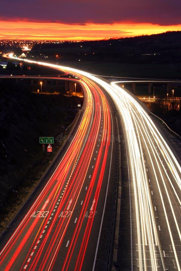 Verkeer bij nacht. royalty-vrije stock foto's