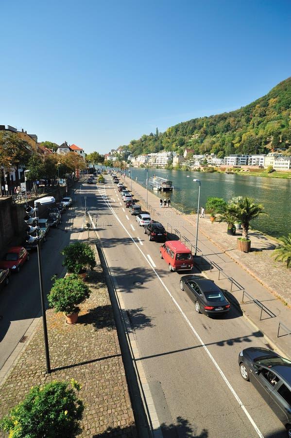 Verkeer op de weg in de stad van Heidelberg royalty-vrije stock afbeelding