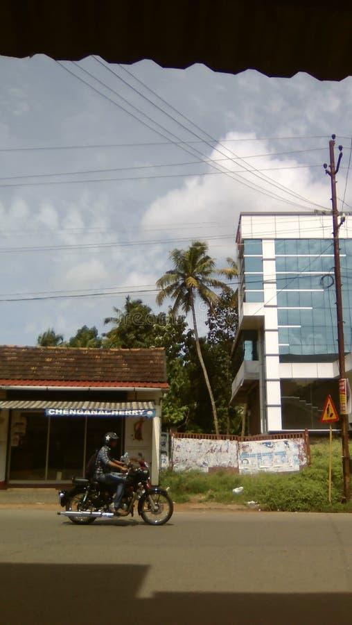 Verkeerskruising bij Allepuzha-Road in Changanacherry stock afbeeldingen