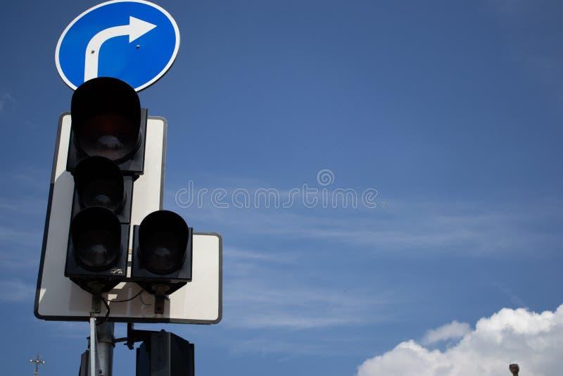 Verkeerslichten tegen een Blauwe Hemel royalty-vrije stock foto