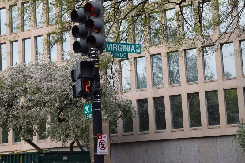 Verkeersteken voor Virginia Ave In Washington DC stock foto