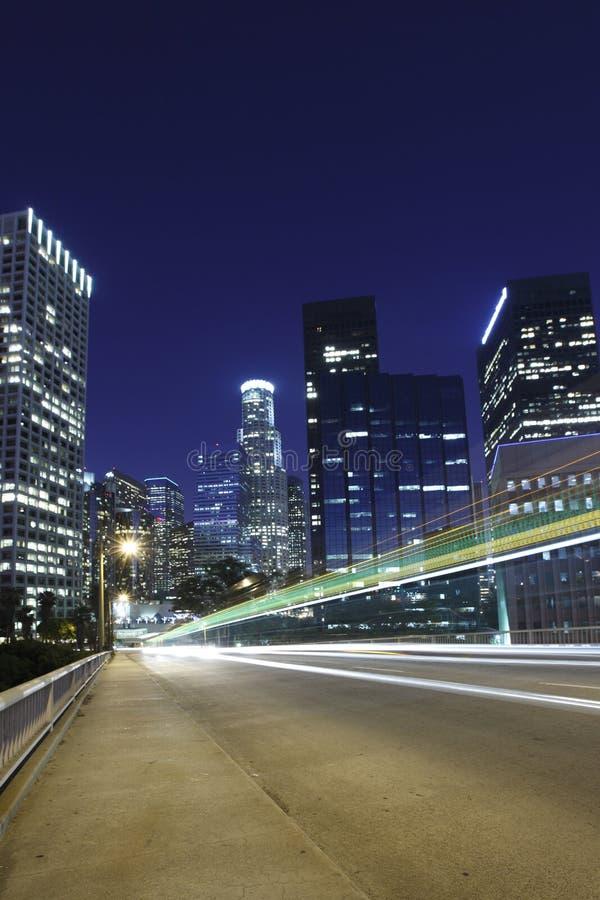 Verkehr durch Los Angeles lizenzfreie stockfotos