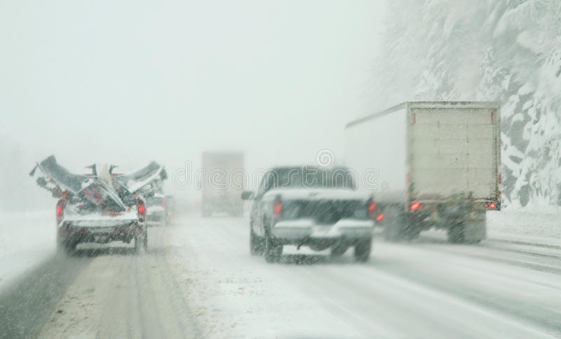 Winterfahren lizenzfreie stockbilder
