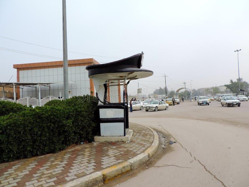 Verkehrskontrolleposten auf den Straßen von Nadschaf stockfotos