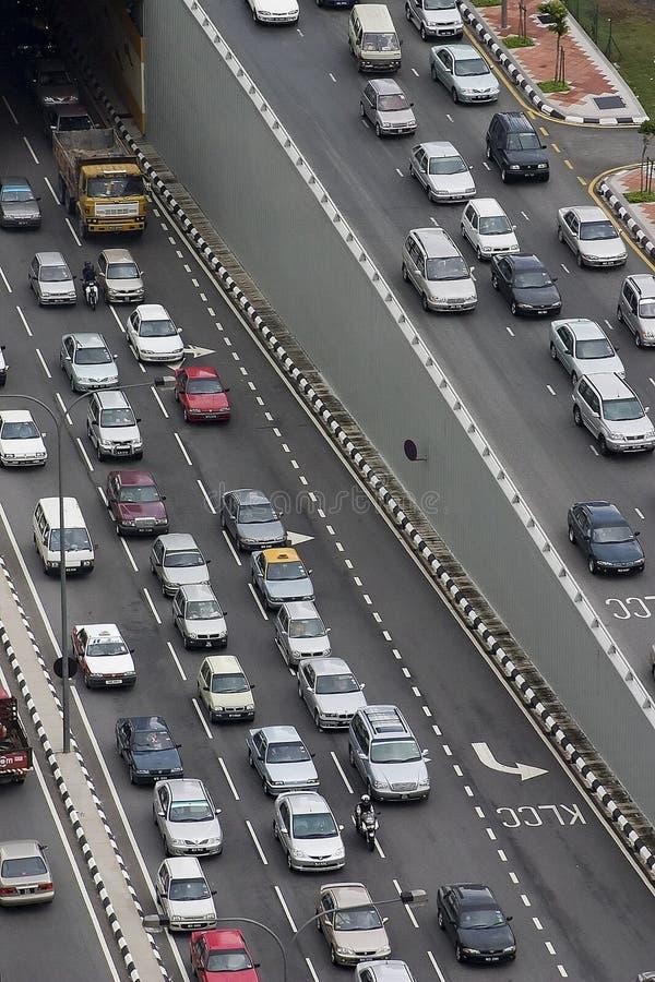 Verkehrsreiche Straße lizenzfreie stockfotografie