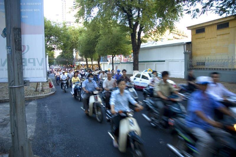 Verkehrsreiche Straße von Ho Chi Minh Stadt stockbild