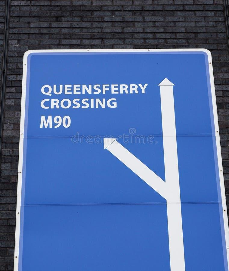Verkehrsschild für die Queensferry-Überfahrt, M90 lizenzfreie stockbilder