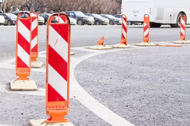 Verkehrssicherheits-Baustraßenarbeitenzeichen lizenzfreies stockbild