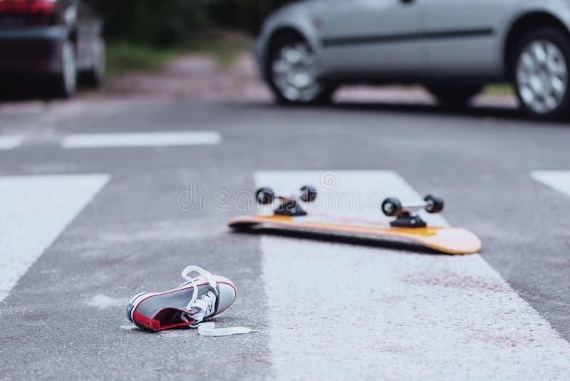 Verkehrsunfall am Fußgängerübergang lizenzfreie stockbilder