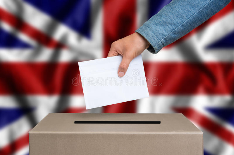 Verkiezing in Verenigd Koninkrijk die - bij de stembus het stemmen royalty-vrije stock foto's