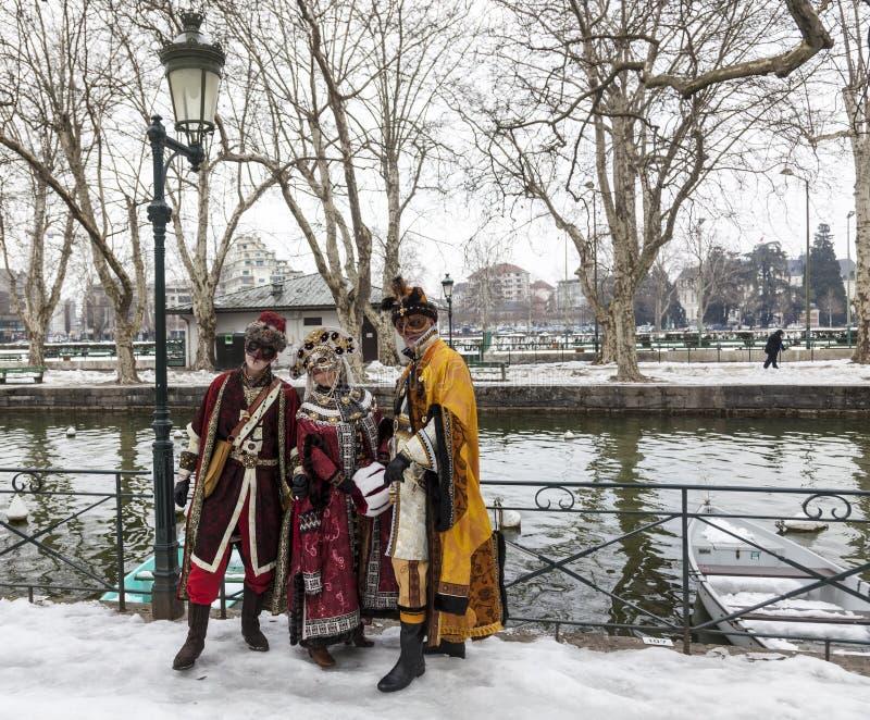 Verkleidete Gruppe - venetianischer Karneval 2013 Annecys lizenzfreie stockbilder