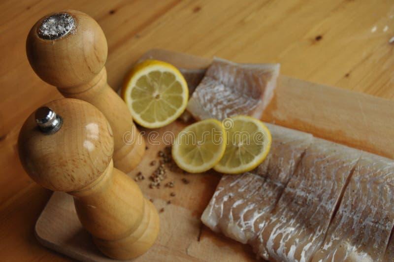 Verkleidung der Fische Teller, Hauptgericht Schnellimbiß stockfotos