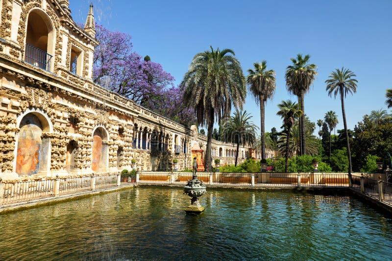 Verkliga Alcazarträdgårdar, Sevilla fotografering för bildbyråer