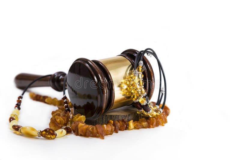 Verkoop van amberjuwelen stock foto's