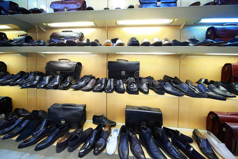 Verkoop van mannelijke schoen stock afbeeldingen