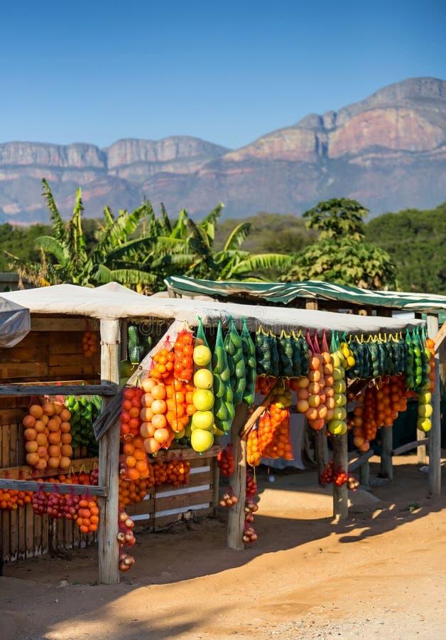 Verkopers aan kant van de weg in Zuid-Afrika royalty-vrije stock foto