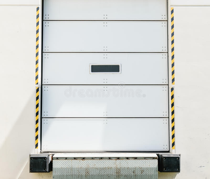Verladedock-Tür stockbild