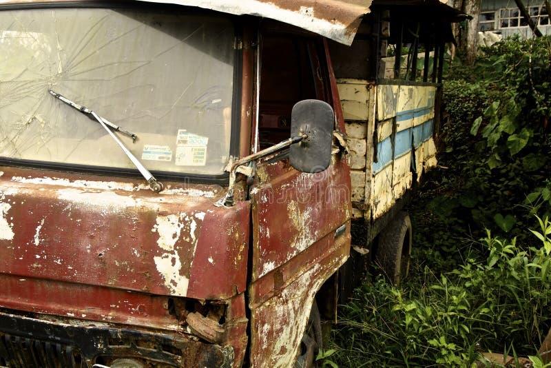 Verlagingsvrachtwagen royalty-vrije stock afbeelding