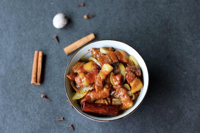 Verlangsamen Sie gekochtes süßes Schweinefleisch lizenzfreies stockfoto