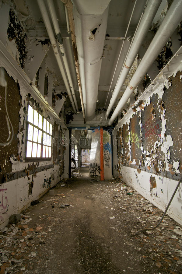 Verlassene Halle stockfotografie