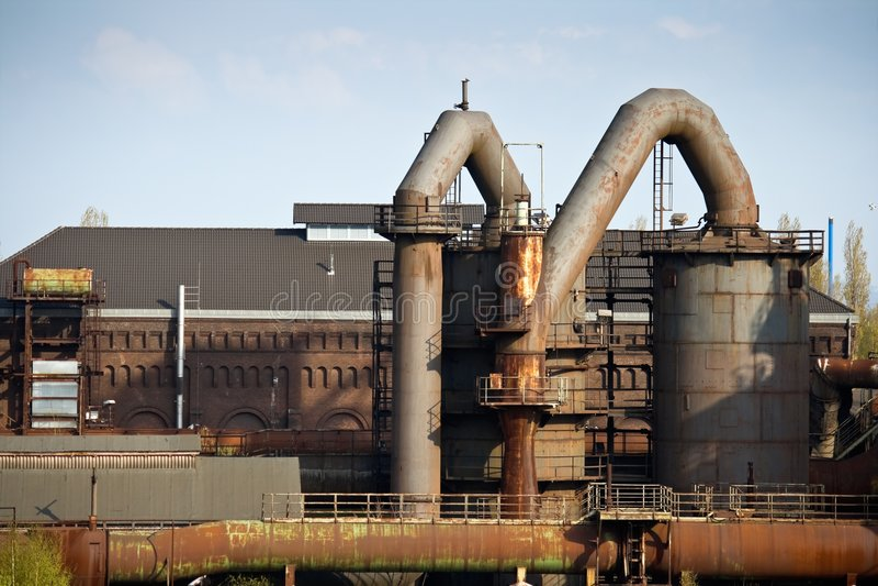 Verlassene Industrieanlage stockfoto