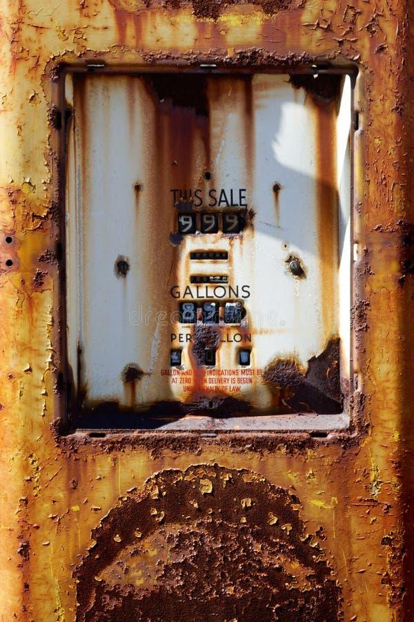 Alte Gas-Pumpe stockfotografie