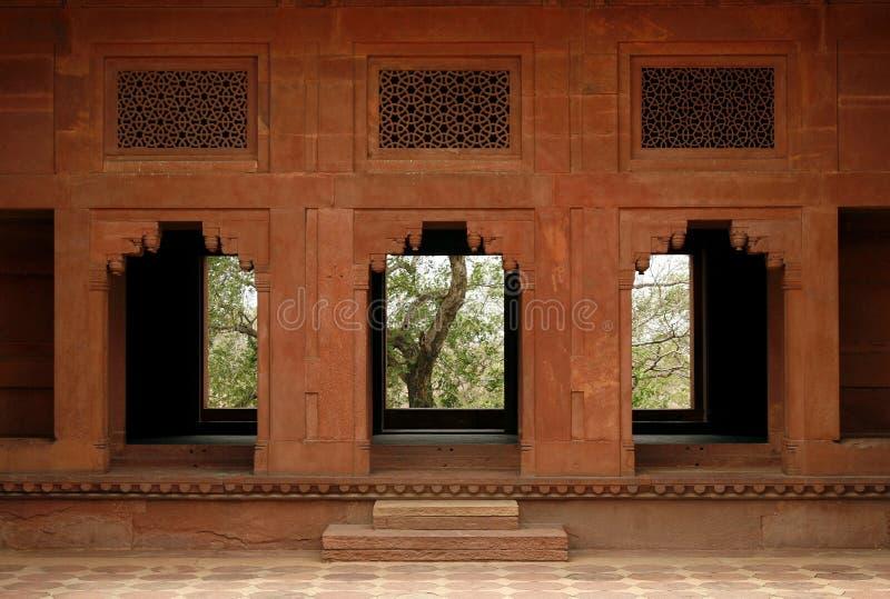 Verlassene Tempeltür in Fatehpur Sikri, Indien stockfotos