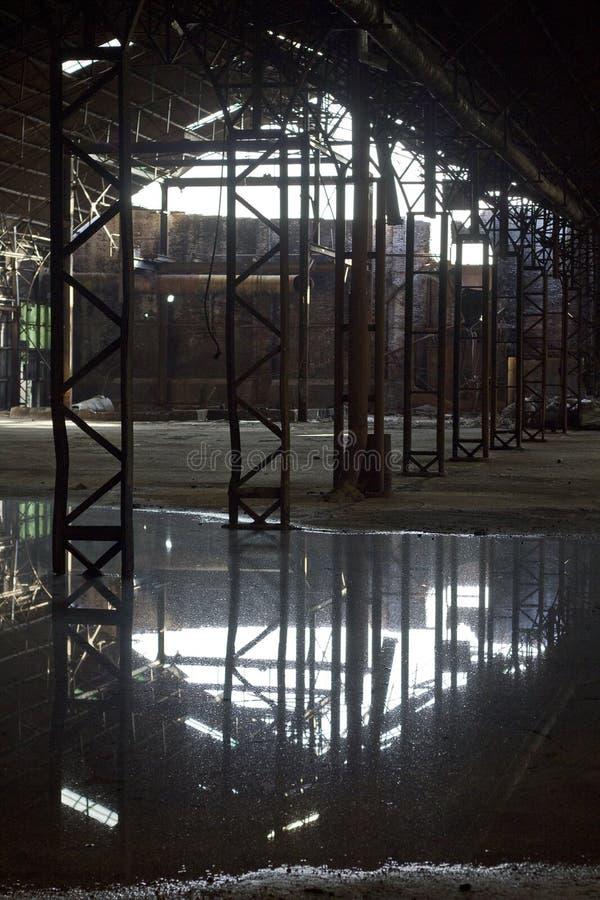 Verlassene Zuckerraffinerie lizenzfreies stockfoto