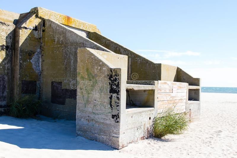 Verlassener Militärbunker in Cape May Punkt lizenzfreie stockfotografie