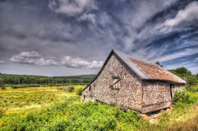 Verlassener Stall, landwirtschaftliches New-Brunswick lizenzfreie stockfotos