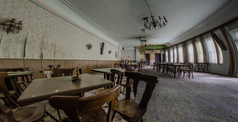 verlassenes Gästehauspanorama stockfoto