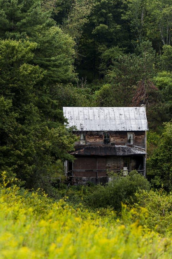 Verlassenes Gebirgs-haus- Appalachen - West-Maryland lizenzfreie stockfotos