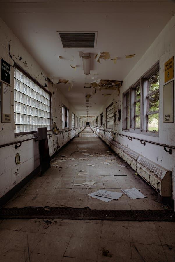 Verlassenes Krankenhaus - Brecksville-Veteranen-Verwaltung - Ohio lizenzfreie stockbilder