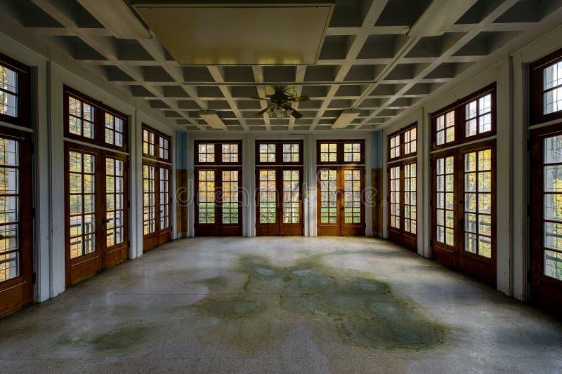 Verlaten Afdeling - het de Verlaten Laurelton-School & Ziekenhuis van de Staat - Pennsylvania stock foto's